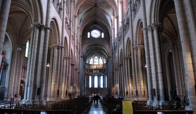 Interior of Cathédrale Saint-Jean-Baptiste de Lyon   © Chris 73/WikiCommons