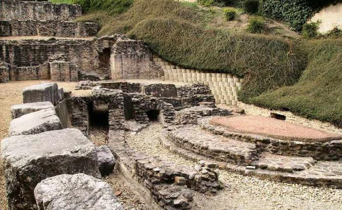 Lyon's Roman Baths | © Alorange/WikiCommons