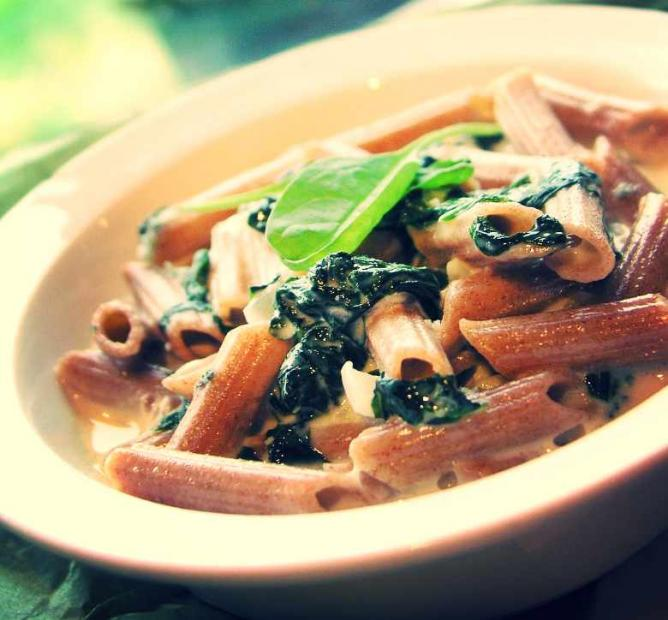 Penne Pasta with Spinach Sauce | © vsmarketinges/Pixabay
