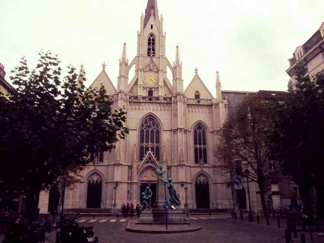 Saint-Boniface square | © Yana Pargova