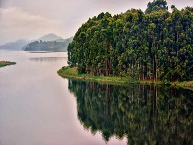 Lake Bunyonyi   © Rod Waddington/Flickr
