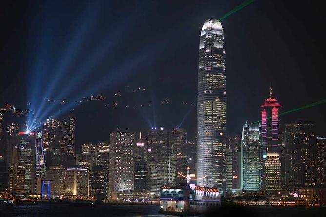 Hong Kong at night   © Barbara Willi/Flickr