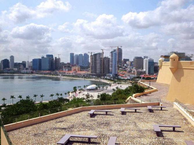 Luanda skyline   © David Stanley/Flickr