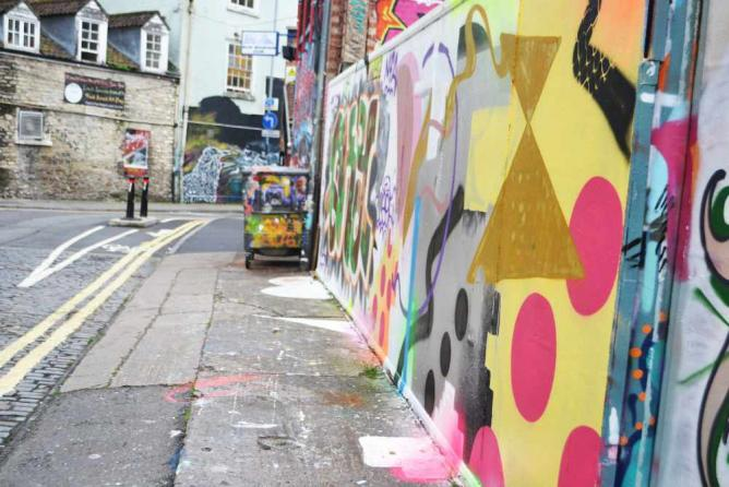Stokes Croft, Bristol | © Helicon Magazine/Flickr