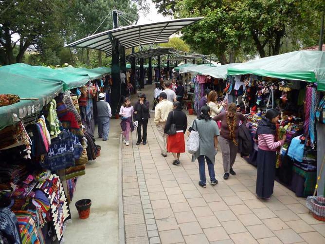 Hand craft market | © Quitolabicicleta/Wikicommons