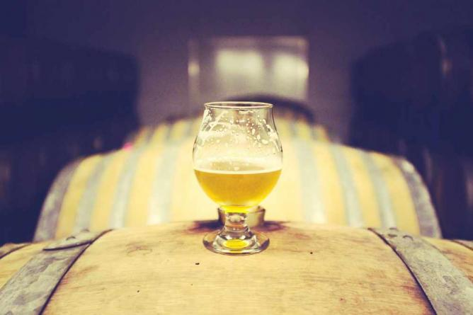 Beer-Alcohol-Wood| © StockSnap/Pixabay