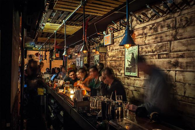 The 10 Best Craft Beer Bars In Manhattan New York City