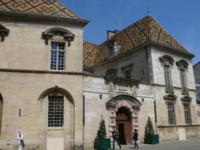 the top 10 things to do and see in dijon. Black Bedroom Furniture Sets. Home Design Ideas