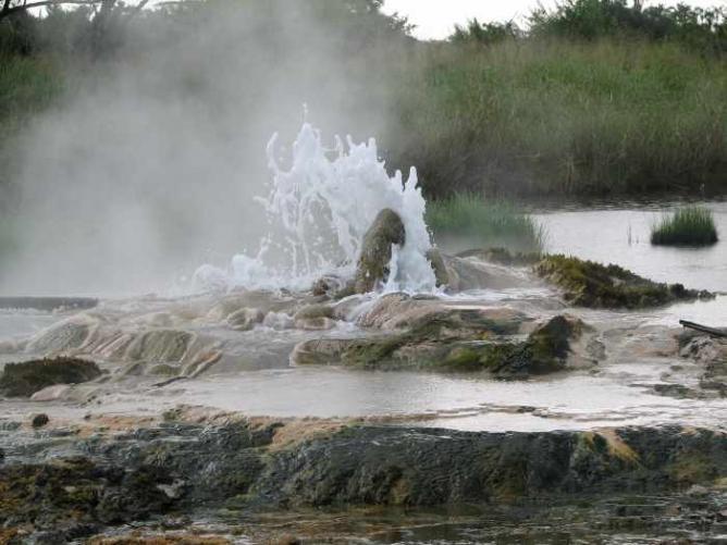 Sempaya Hot Springs | © Sarahemcc/Flickr