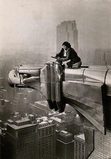 Margaret Bourke-White - Metaphotography on the Chrysler Building | © cea +/Flickr