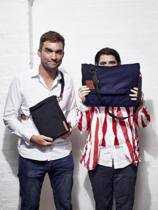 The bag in its tablet and messenger forms | Courtesy of Alexander PR & Communications © Ohyo