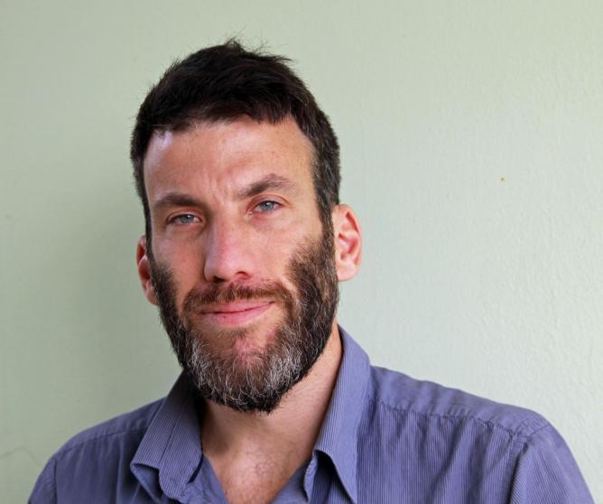 Portrait of Elad Rosen © Amos Rosen