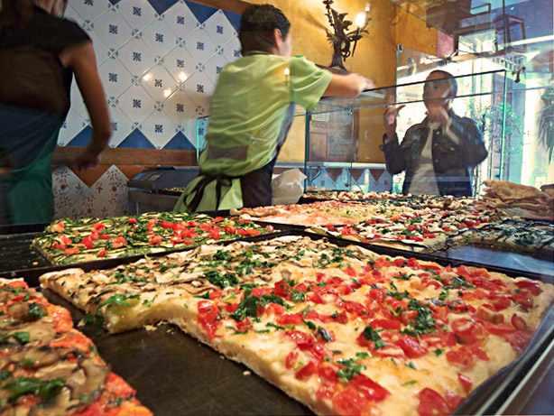 Typical Italian pizzeria / ©Shoebill2 / wikicommons