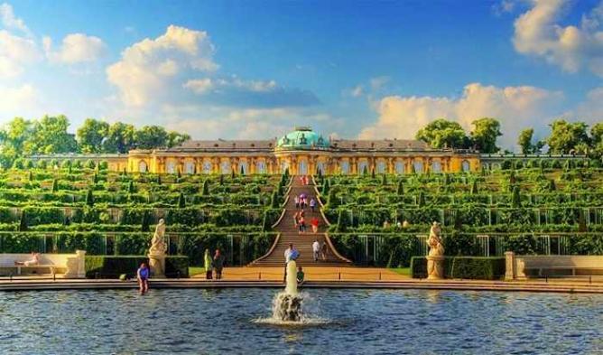 Sansoucci Palace   @Wolfgang Staudt