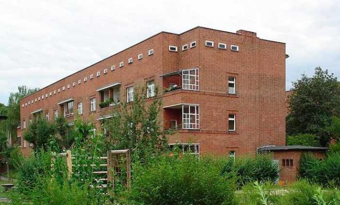 The Schillerpark Housing Estate in Berlin-Wedding   @ Marbot/Wikimedia