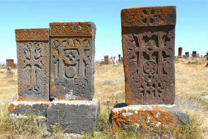 Khachkars in Noraduz | © Rita Willaert/Flickr