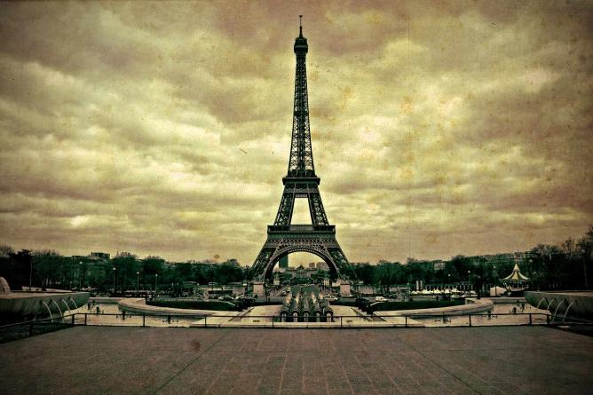 The Eiffel Tower 1900   ©EdoardoCosta/Flickr