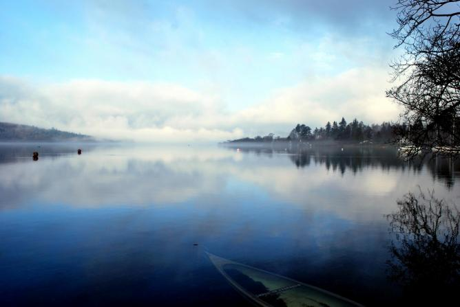 Lake Windermere on a Misty Morning | © Mkonikkara/WikiCommons