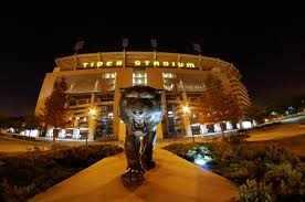 LSU football stadium - getmahesh/Flickr