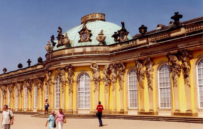 Potsdam Palace   © Roger W/Flickr