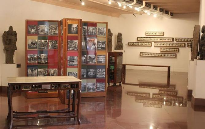 Dayanita Singh, Book Museum, in the National Museum, New Delhi, 2014 | © Nomu420/WikiCommons