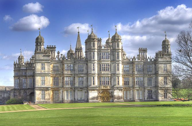 Burghley House © Davecrosby uk/Wikicommons
