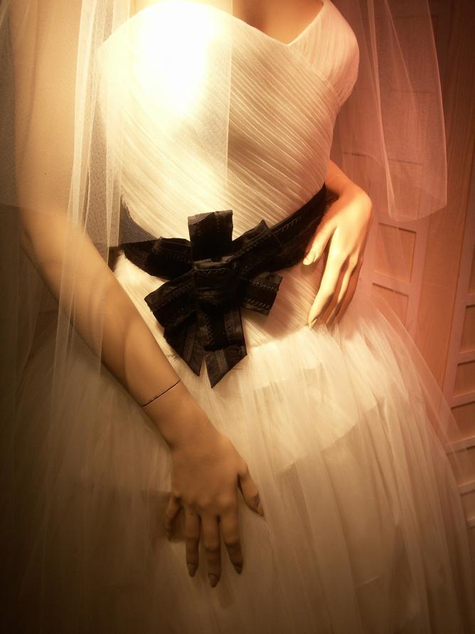 wedding dress vera wang v&a culture trip