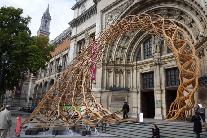 v&a art architecture entrance