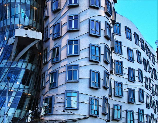 Dancing House, Prague | © Christine Zenino/Courtesy of WikiCommons