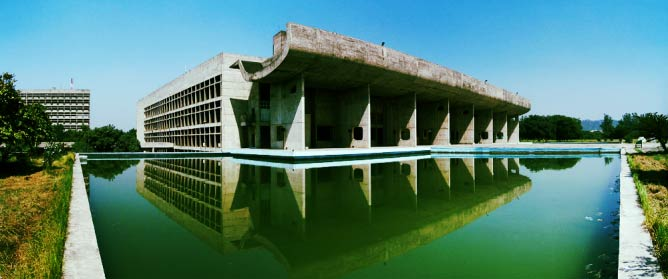 Palace of Assembly, Chandigarh | © duncid - KIF_4646_Pano/Courtesy of WikiCommons