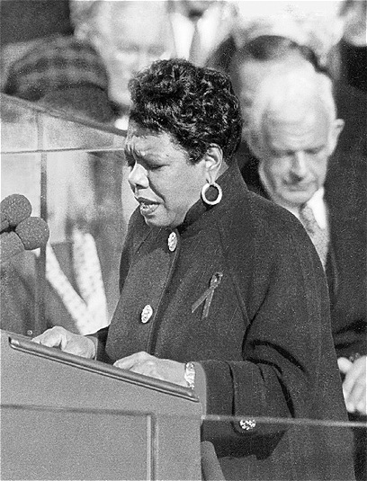 Maya Angelous reading at the presidential inauguration in 1993 | @Wikimedia Commons