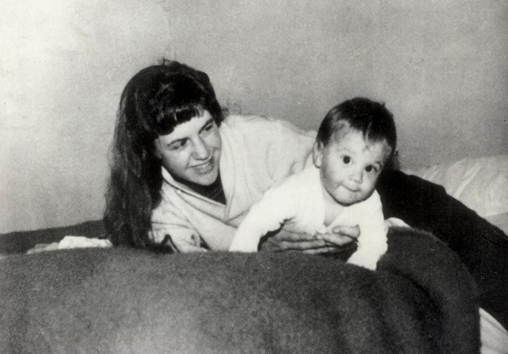 ANL/REX/Shutterstock © Poet Sylvia Plath And Her Son Nick Pictured In Devon In 1962. Poet Sylvia Plath And Her Son Nick Pictured In Devon In 1962.