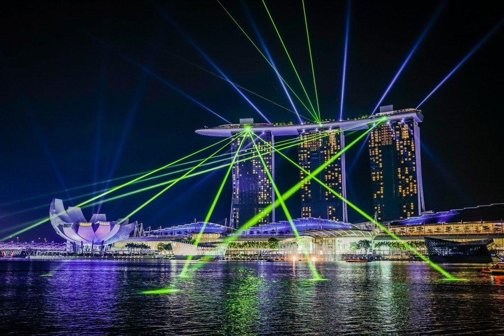 Light Show at Marina Bay Sands © aotaro