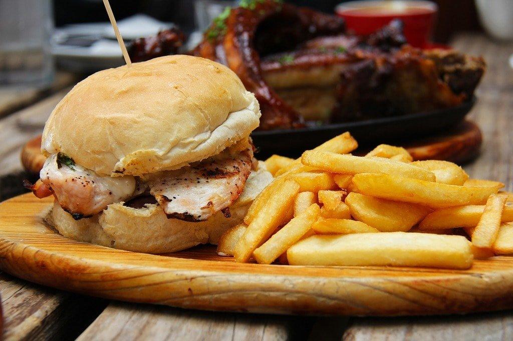 burgers-1565907_1280