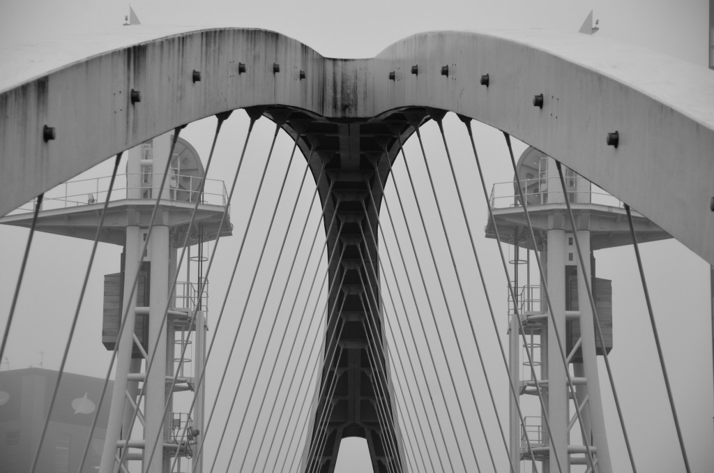 The Lowry Art Gallery Bridge © Dom Crossley