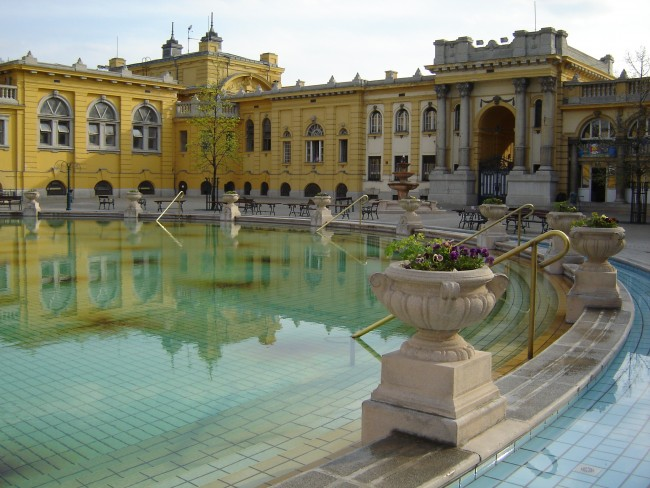Bathing in Former Glory: Budapest\'s Famous Thermal Baths
