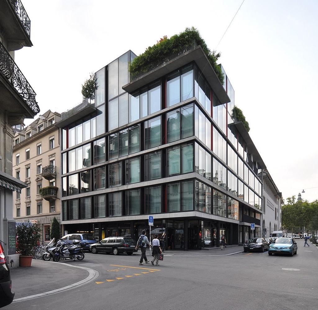 1052px-Mehrfamilienhaus_Bäckerstrasse_Zürich_01