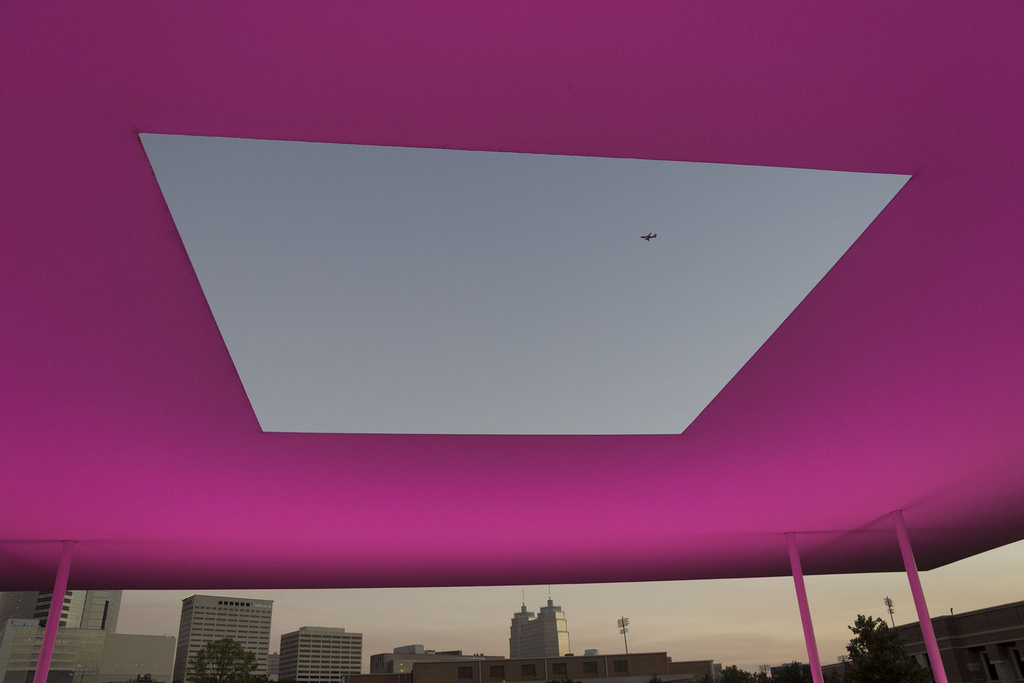 the shifting spectacle of james turrell s skyspace houston. Black Bedroom Furniture Sets. Home Design Ideas