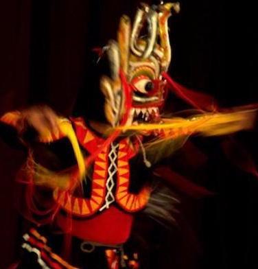 Mask dance – the serpent/ © Ashish Gautam/Flickr (cropped)