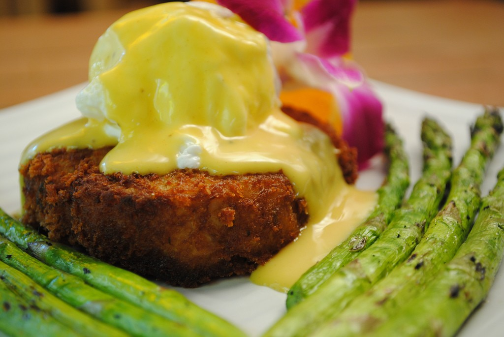Crab Cakes Benedict | ©Larry Hoffman/Flickr