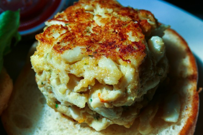 Crab Cakes Are On the Menu | © Steven Depolo/Flickr