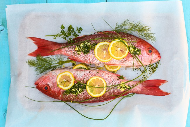 Red Snapper in preparation| ©dolcefooda/flickr