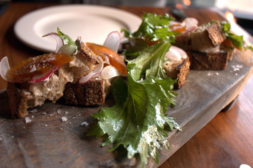 bar tartine bottarga, grilled bread, butter, radish ©Krista