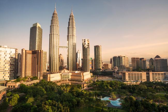Skyline of Kuala Lumpur at sunset | © Zhu Difeng/Shutterstock