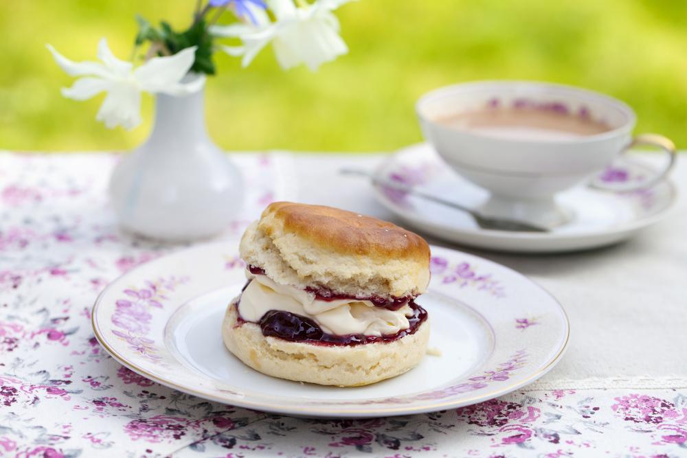 Afternoon Tea © Magdanatka / Shutterstock