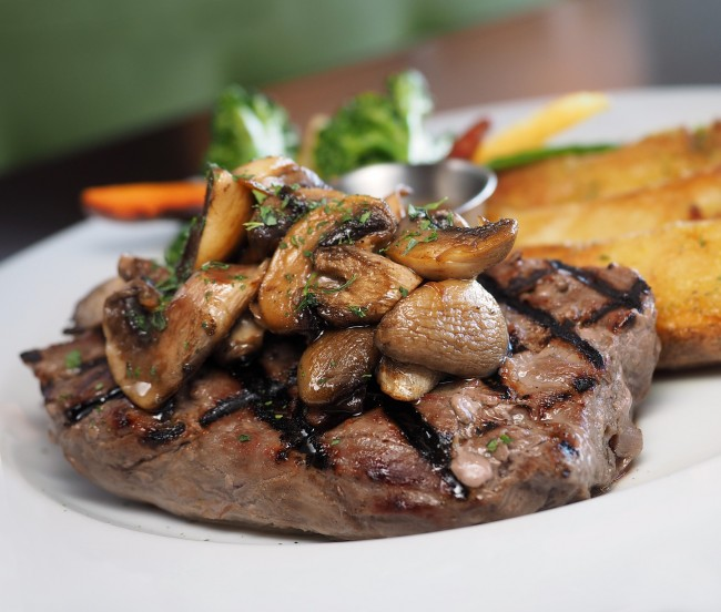 Beef Fillet with Mushrooms/ ©Pixabay