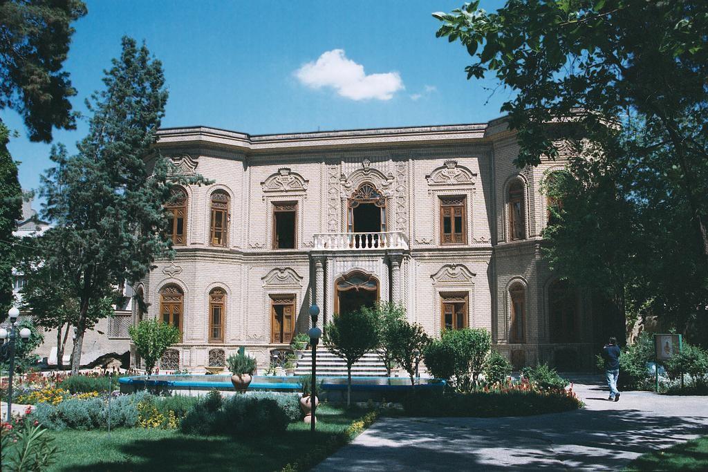 Glass ware and ceramics Museum, Tehran © Philippe Chavin/WikiCommons