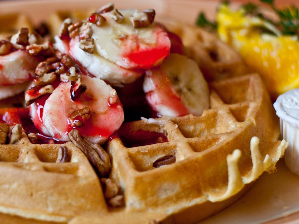 Pecan waffles | ©Kunal Mukherjee / Flickr
