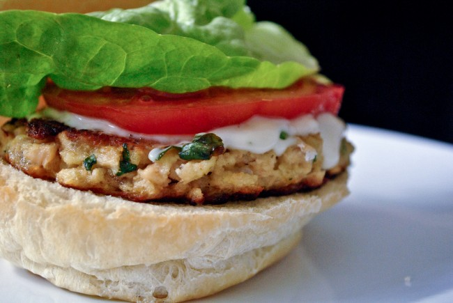 Lemon Salmon Burger|©Cookbookman/Flickr