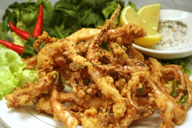 Fried squid | © Amy Nguyen/Flickr